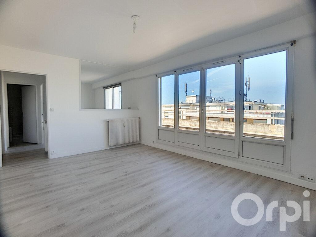 Appartement à louer 1 40.8m2 à Orléans vignette-2