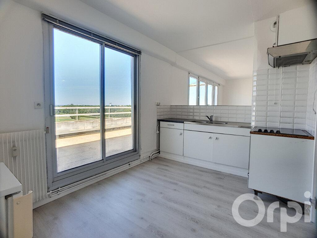 Appartement à louer 1 40.8m2 à Orléans vignette-5
