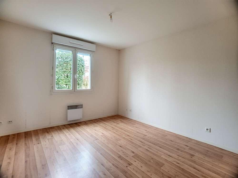 Appartement à louer 2 48.83m2 à Saint-Jean-de-la-Ruelle vignette-3