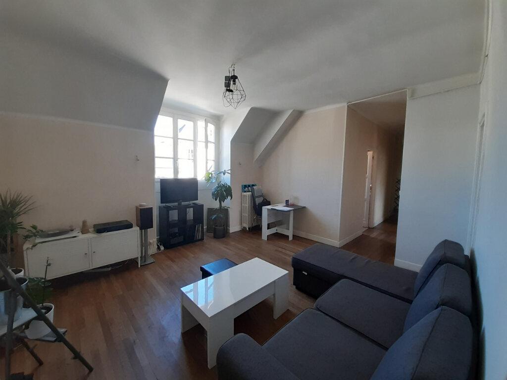 Appartement à louer 4 68m2 à Orléans vignette-1