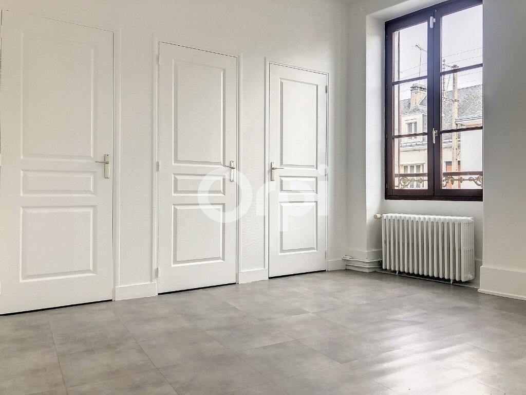 Appartement à louer 3 56.05m2 à Orléans vignette-2