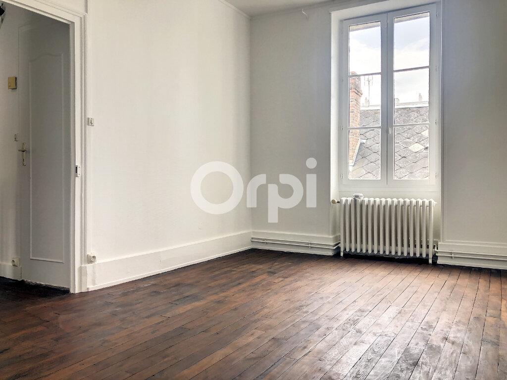 Appartement à louer 3 56.05m2 à Orléans vignette-3
