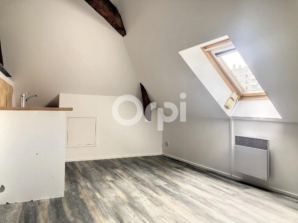 Appartement à louer 3 56.05m2 à Orléans vignette-4