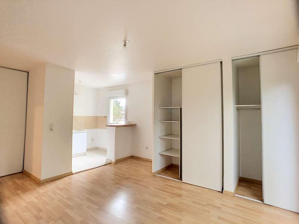 Appartement à louer 2 48.89m2 à Saint-Jean-de-Braye vignette-1