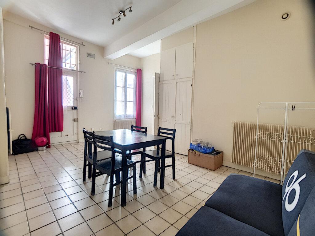 Appartement à louer 2 50.37m2 à Orléans vignette-1