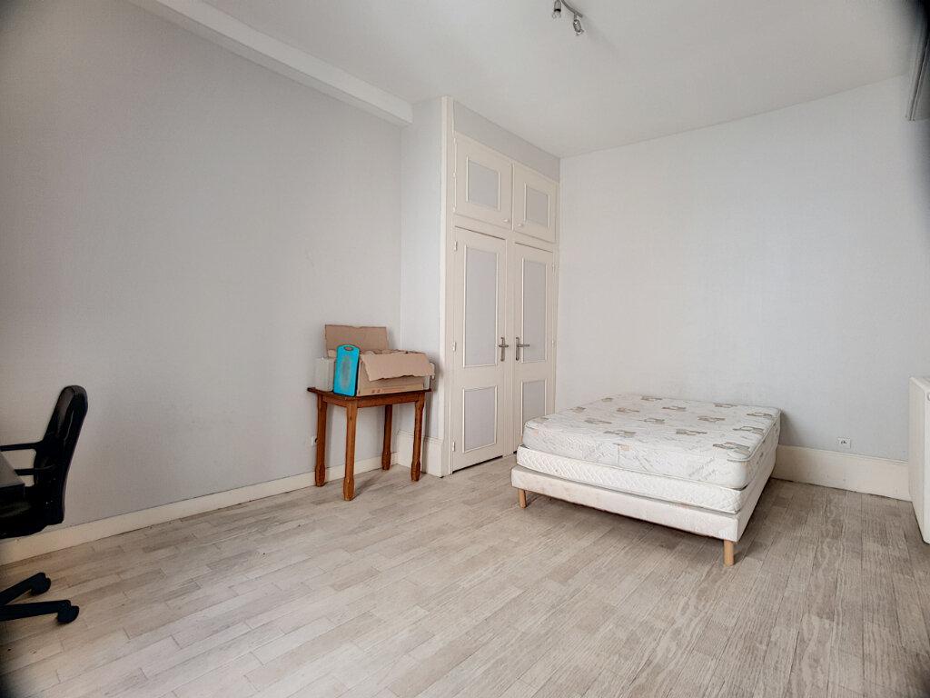 Appartement à louer 2 50.37m2 à Orléans vignette-4
