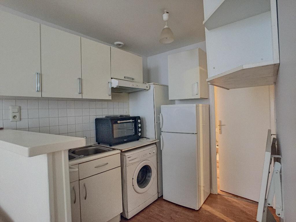 Appartement à louer 2 36.9m2 à Orléans vignette-3
