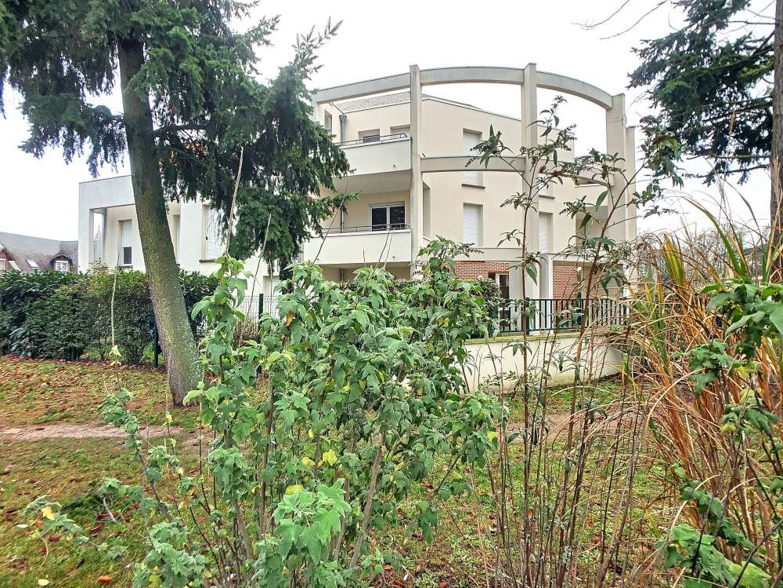Appartement à louer 2 48.51m2 à Saint-Jean-de-la-Ruelle vignette-2