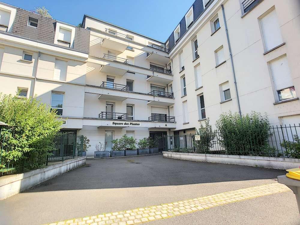 Appartement à louer 2 43.42m2 à Orléans vignette-1