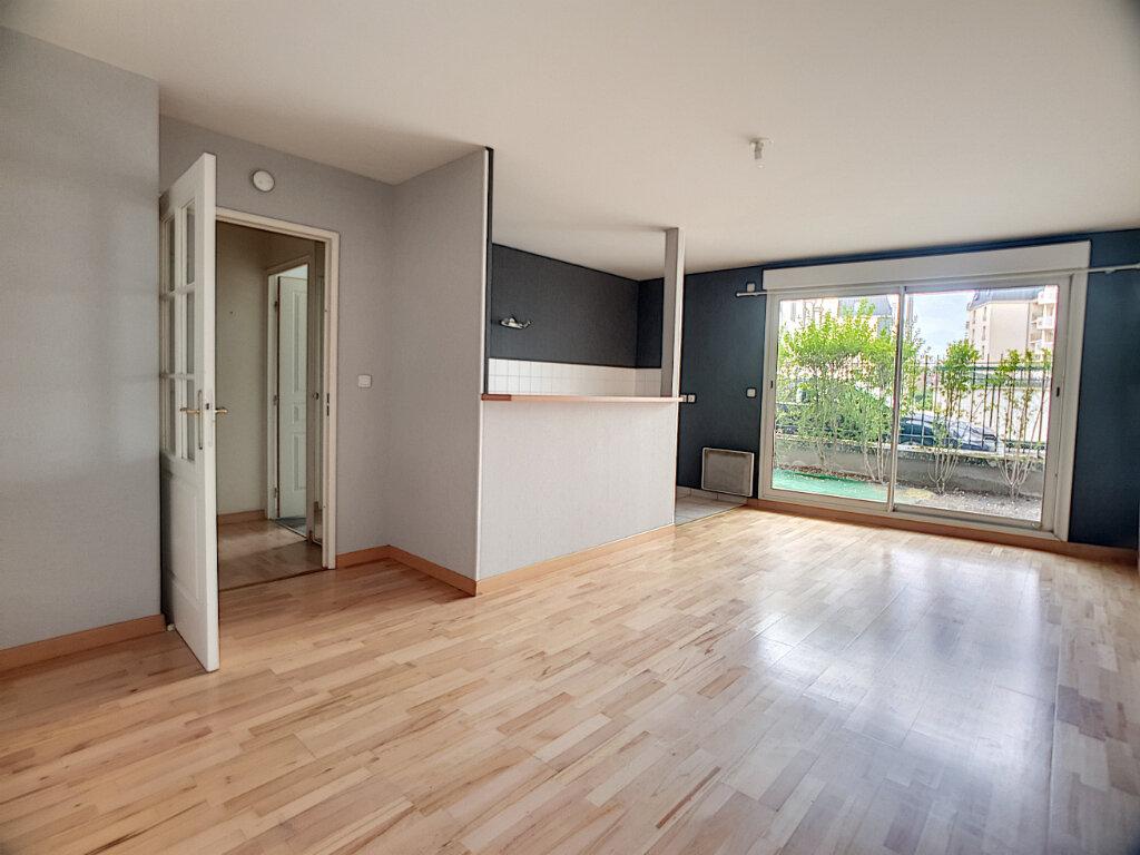Appartement à louer 2 43.42m2 à Orléans vignette-2