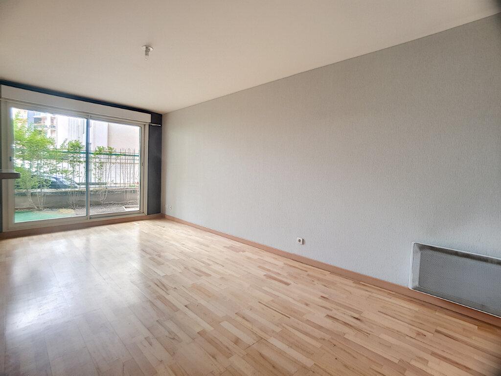 Appartement à louer 2 43.42m2 à Orléans vignette-3