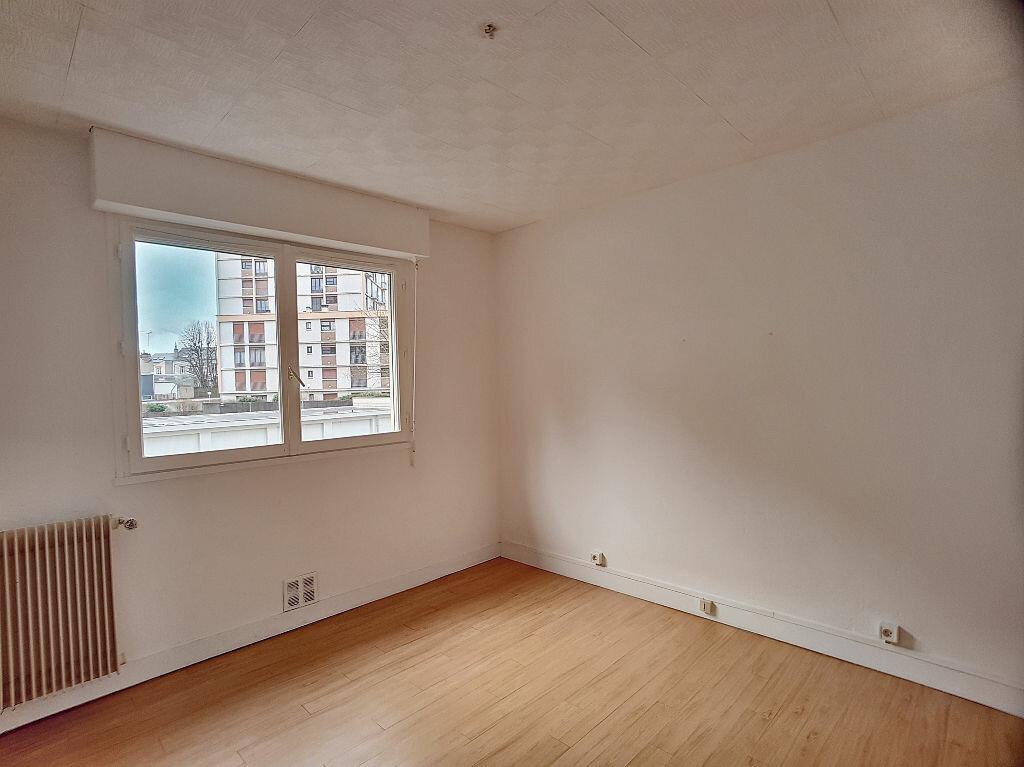 Appartement à louer 2 37.76m2 à Orléans vignette-2