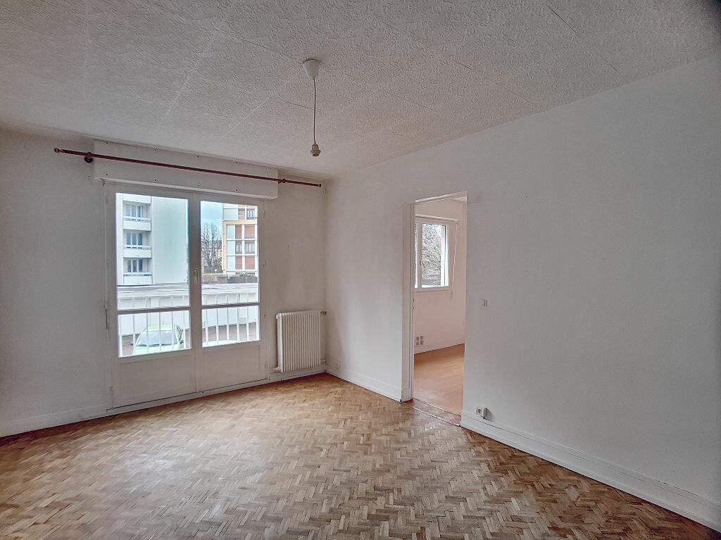 Appartement à louer 2 37.76m2 à Orléans vignette-3
