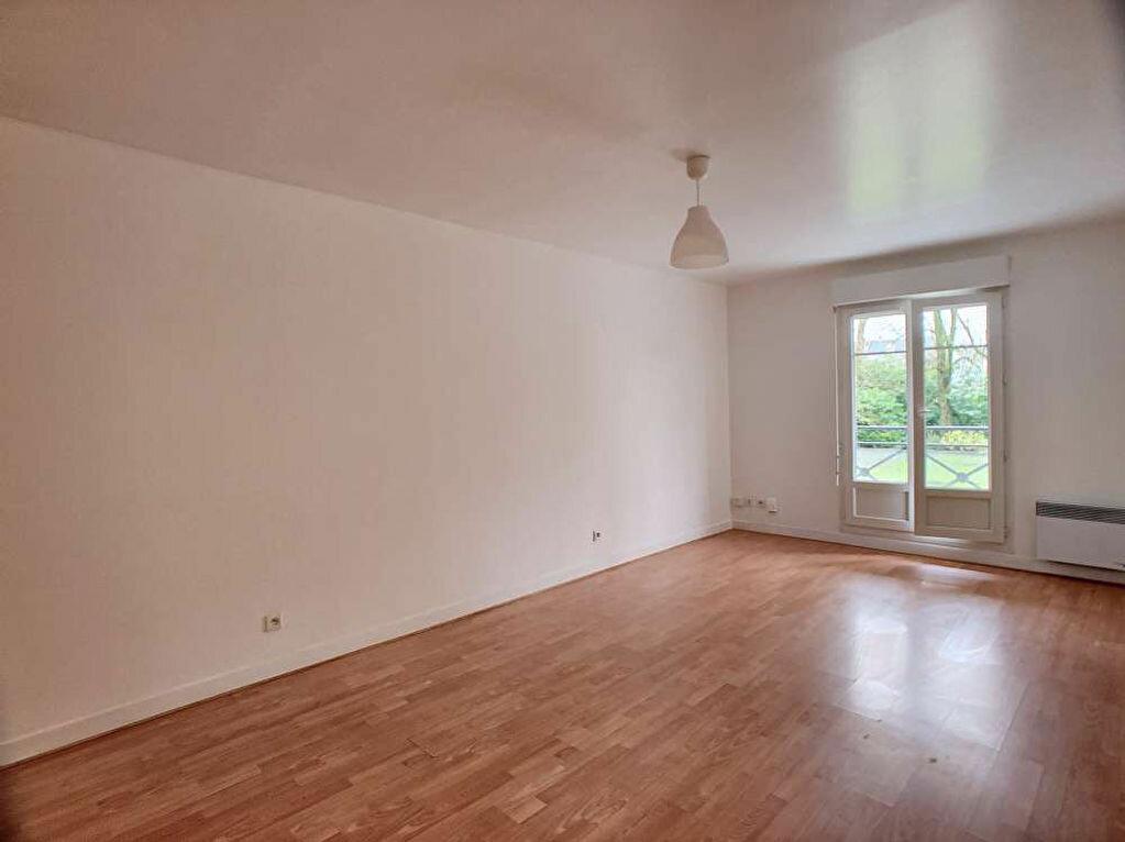 Appartement à louer 3 57.99m2 à Orléans vignette-1