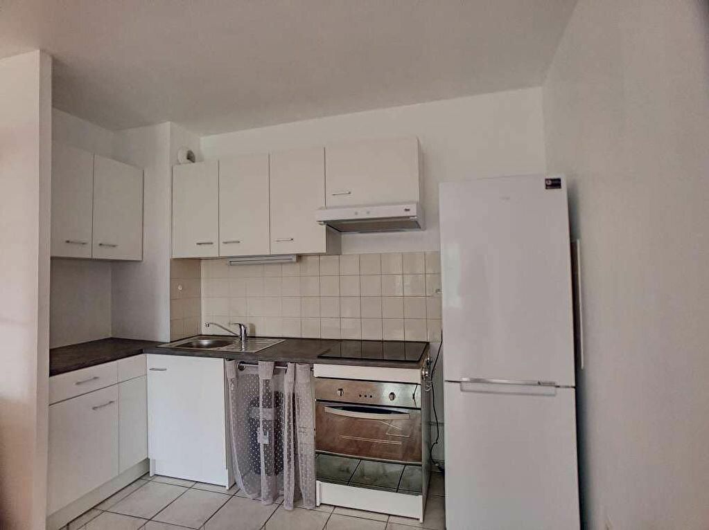 Appartement à louer 3 57.99m2 à Orléans vignette-2