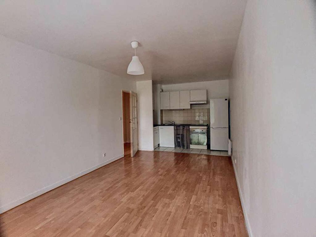Appartement à louer 3 57.99m2 à Orléans vignette-4