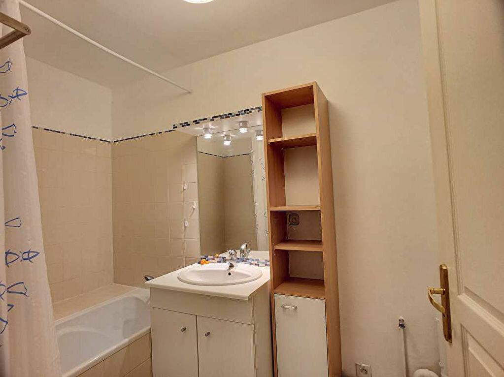 Appartement à louer 3 57.99m2 à Orléans vignette-8