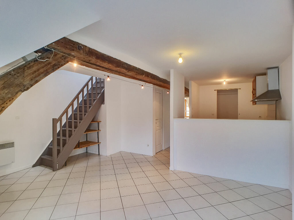 Appartement à louer 3 56.7m2 à Orléans vignette-2