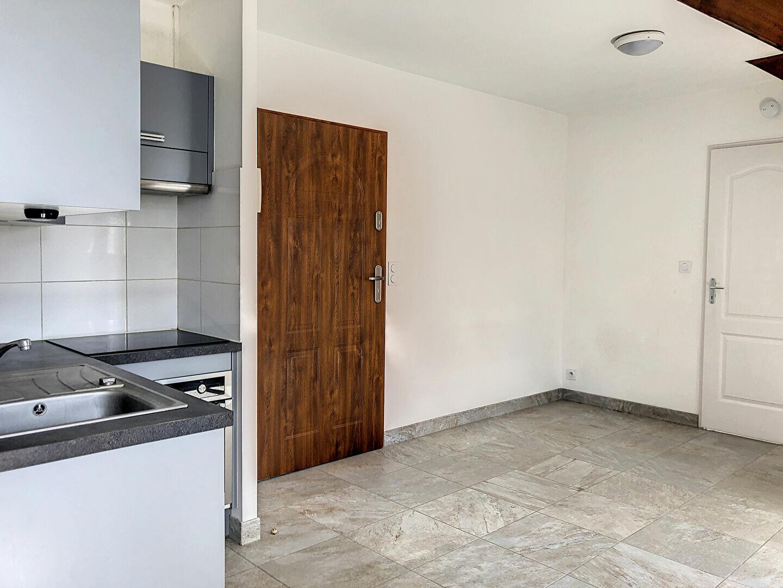 Appartement à louer 2 41m2 à Orléans vignette-2