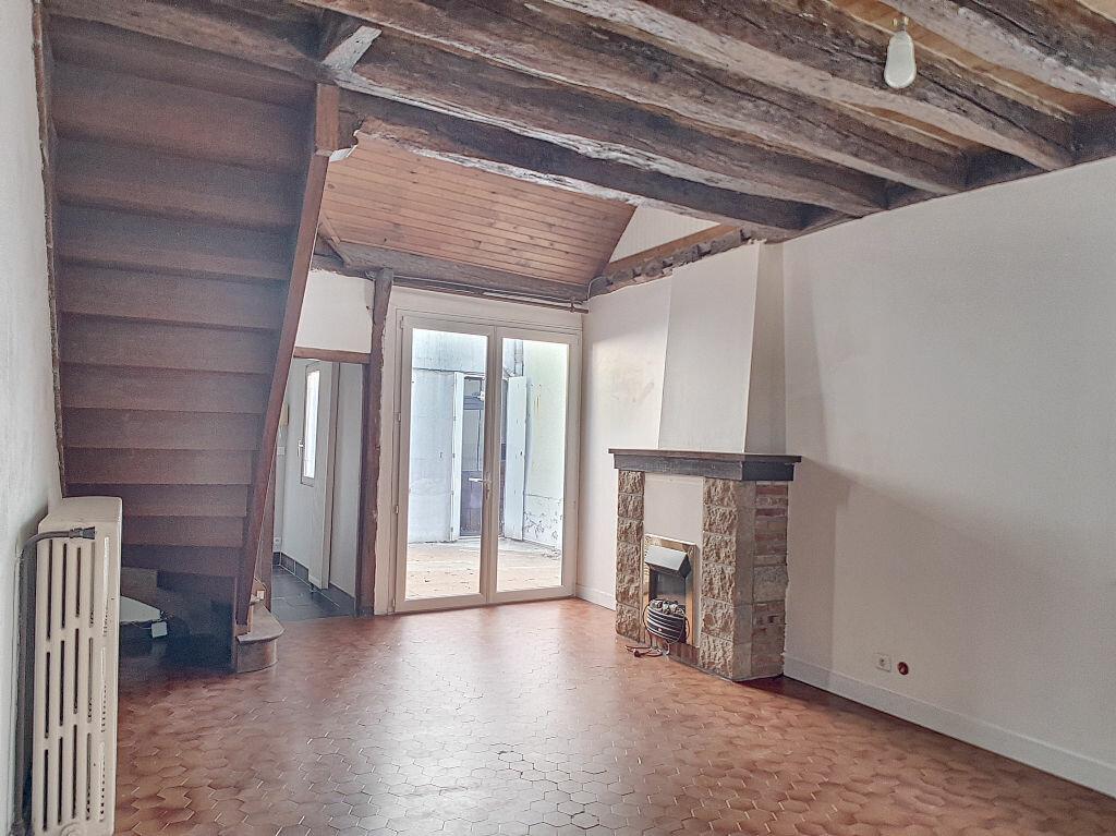 Appartement à louer 1 37.11m2 à Orléans vignette-1