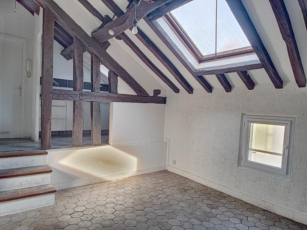 Appartement à louer 2 31.68m2 à Orléans vignette-1