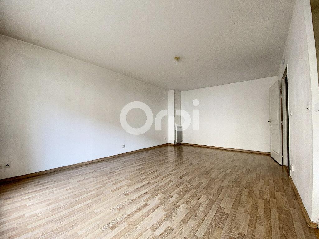 Appartement à louer 3 63.65m2 à Orléans vignette-3