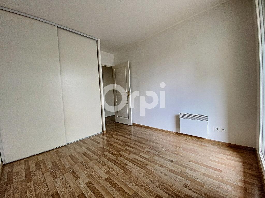 Appartement à louer 3 63.65m2 à Orléans vignette-4