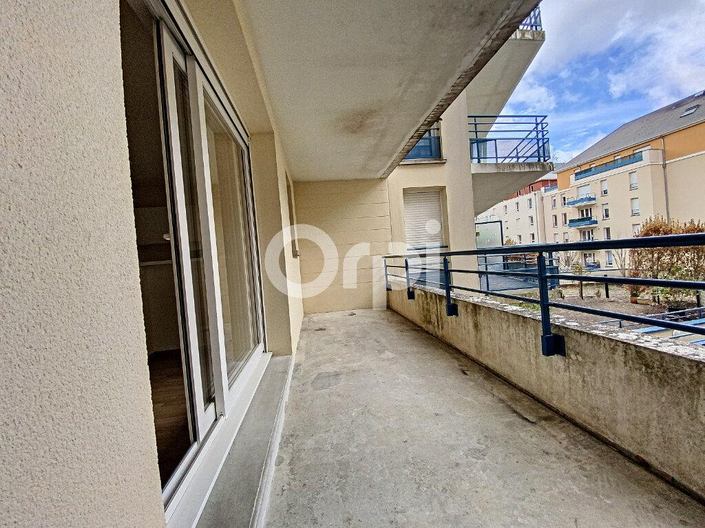 Appartement à louer 3 63.65m2 à Orléans vignette-5