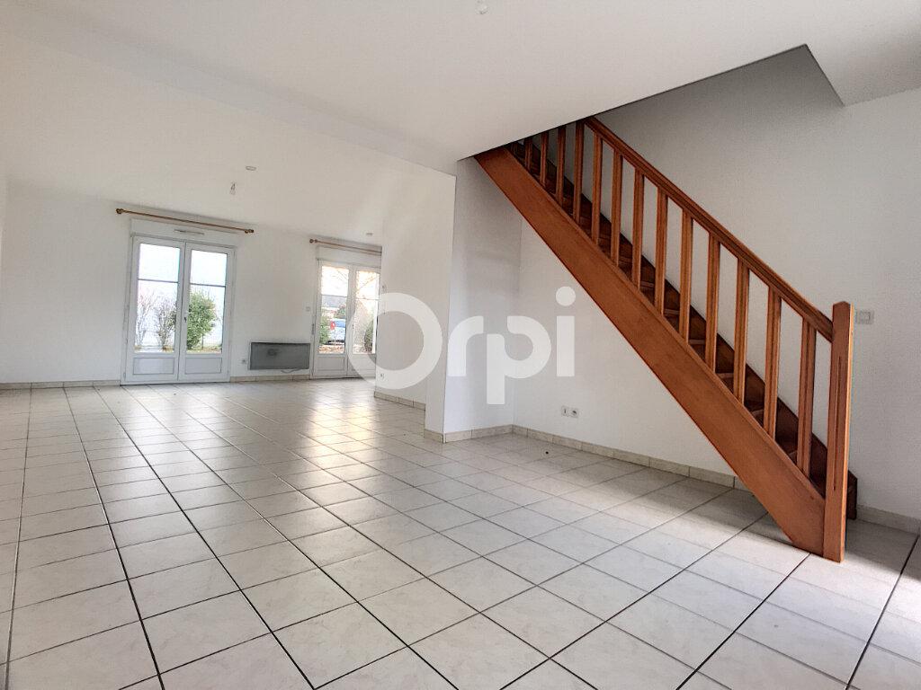 Maison à louer 5 100.34m2 à La Chapelle-Saint-Mesmin vignette-4