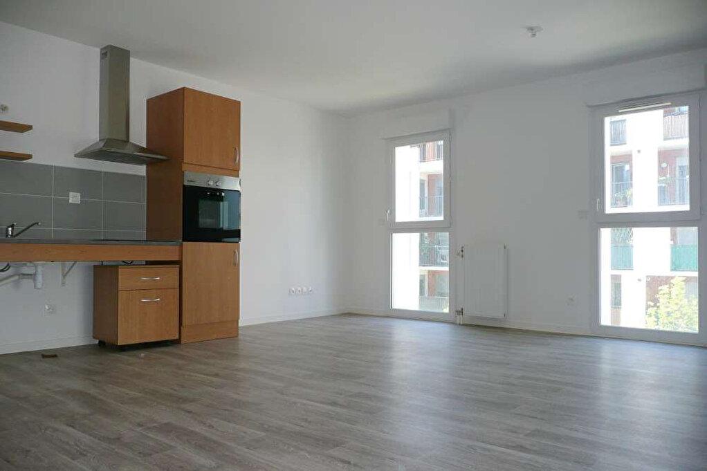 Appartement à louer 3 63.94m2 à Orléans vignette-3
