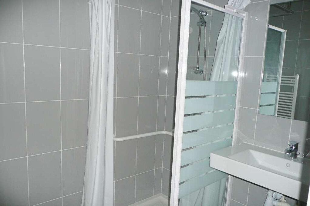 Appartement à louer 3 63.94m2 à Orléans vignette-4