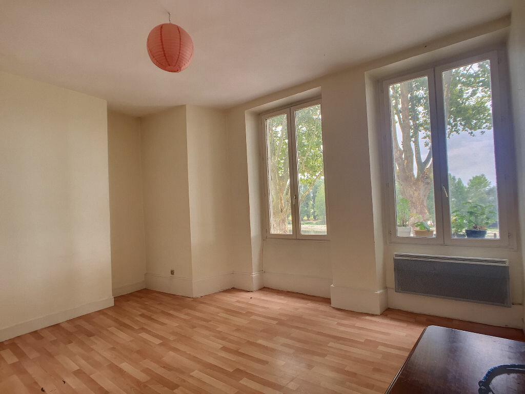 Appartement à louer 2 44.6m2 à Orléans vignette-2