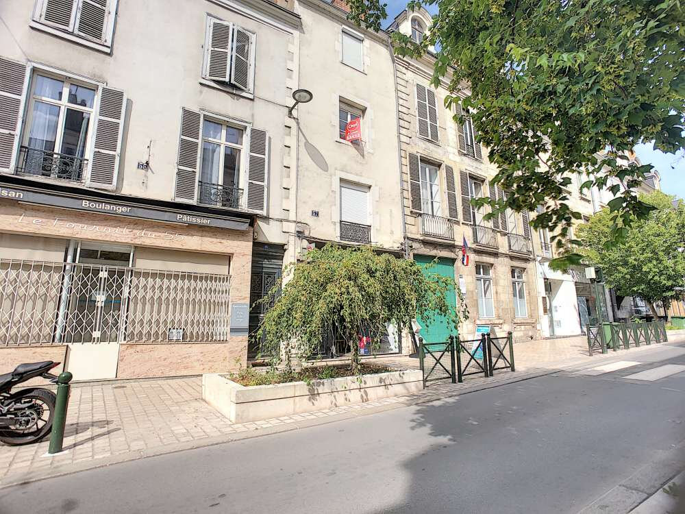 Appartement à louer 1 20m2 à Orléans vignette-1