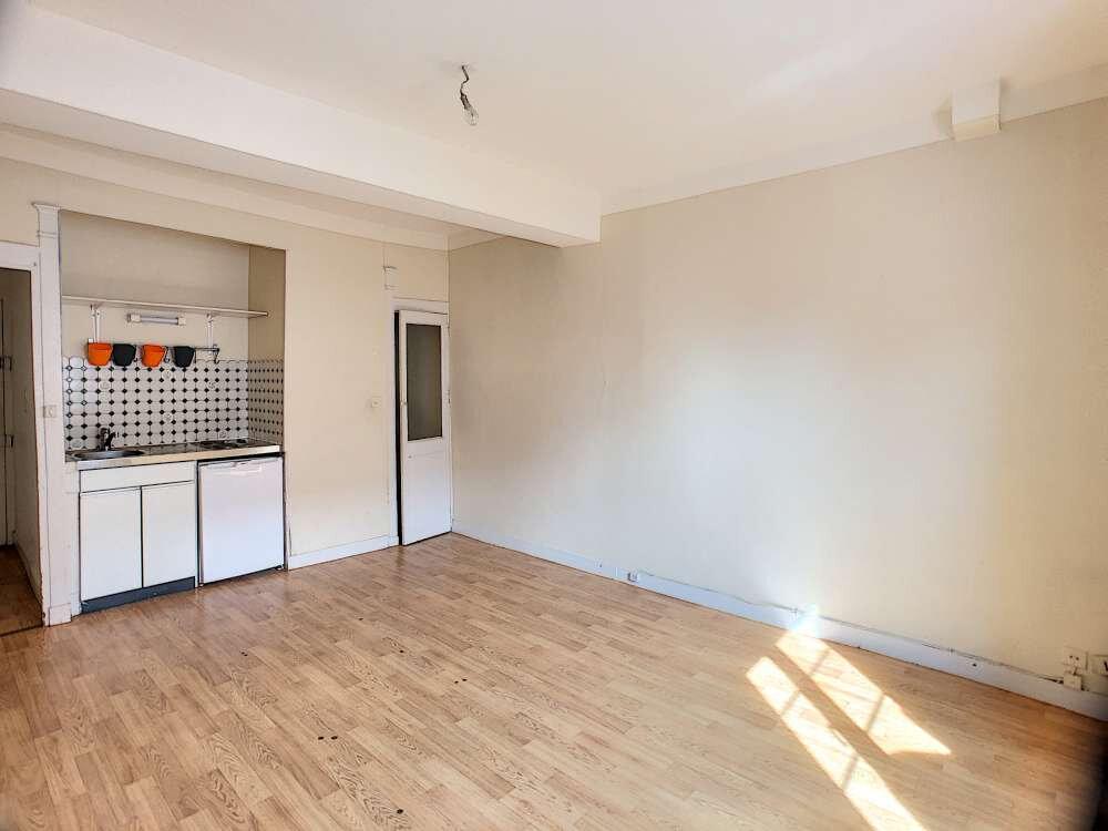 Appartement à louer 1 20m2 à Orléans vignette-3