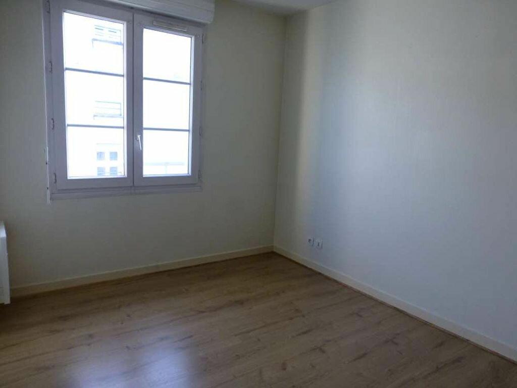 Appartement à louer 2 41.2m2 à Orléans vignette-3