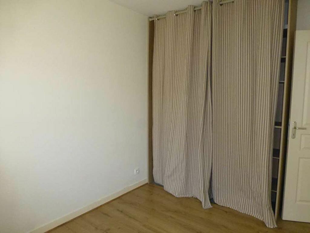 Appartement à louer 2 41.2m2 à Orléans vignette-4