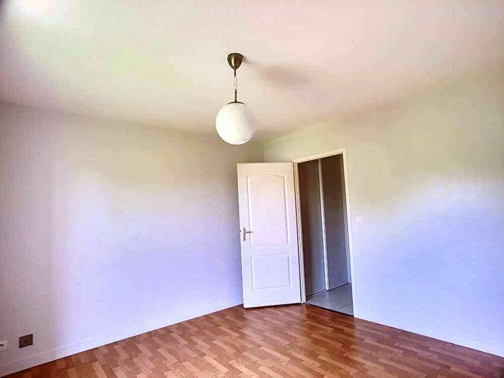 Appartement à louer 3 64.6m2 à Orléans vignette-6
