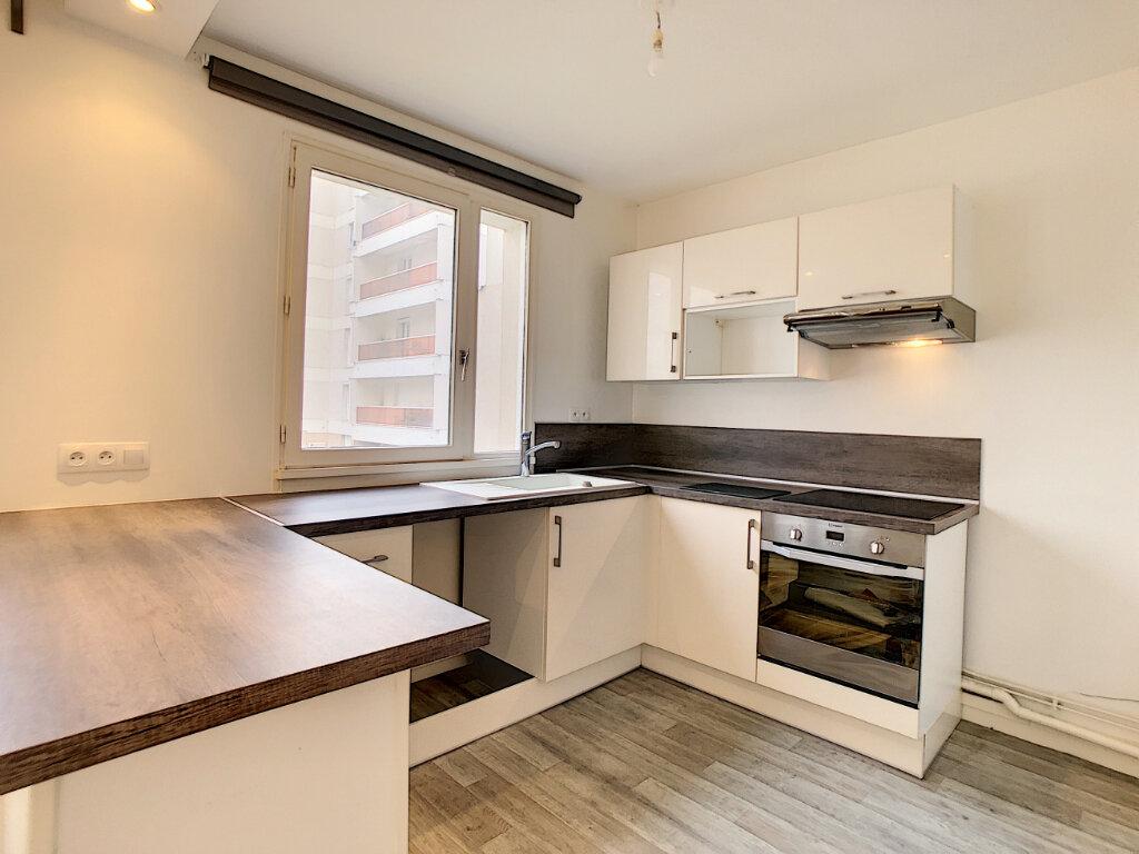 Appartement à louer 3 62.56m2 à Saint-Jean-de-Braye vignette-2