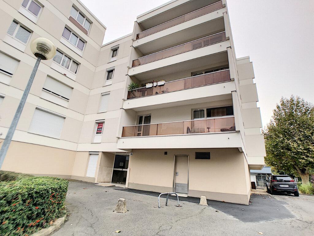 Appartement à louer 3 62.56m2 à Saint-Jean-de-Braye vignette-3