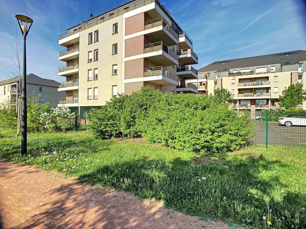 Appartement à louer 2 49.55m2 à Orléans vignette-1