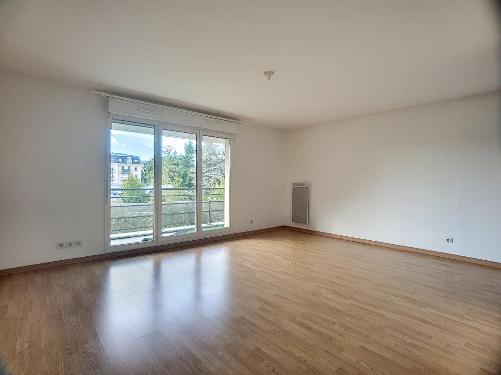 Appartement à louer 2 49.55m2 à Orléans vignette-2