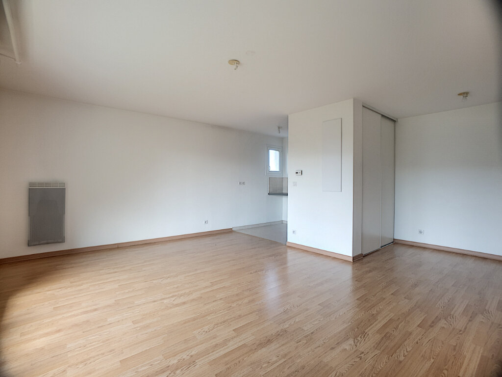 Appartement à louer 2 49.55m2 à Orléans vignette-4