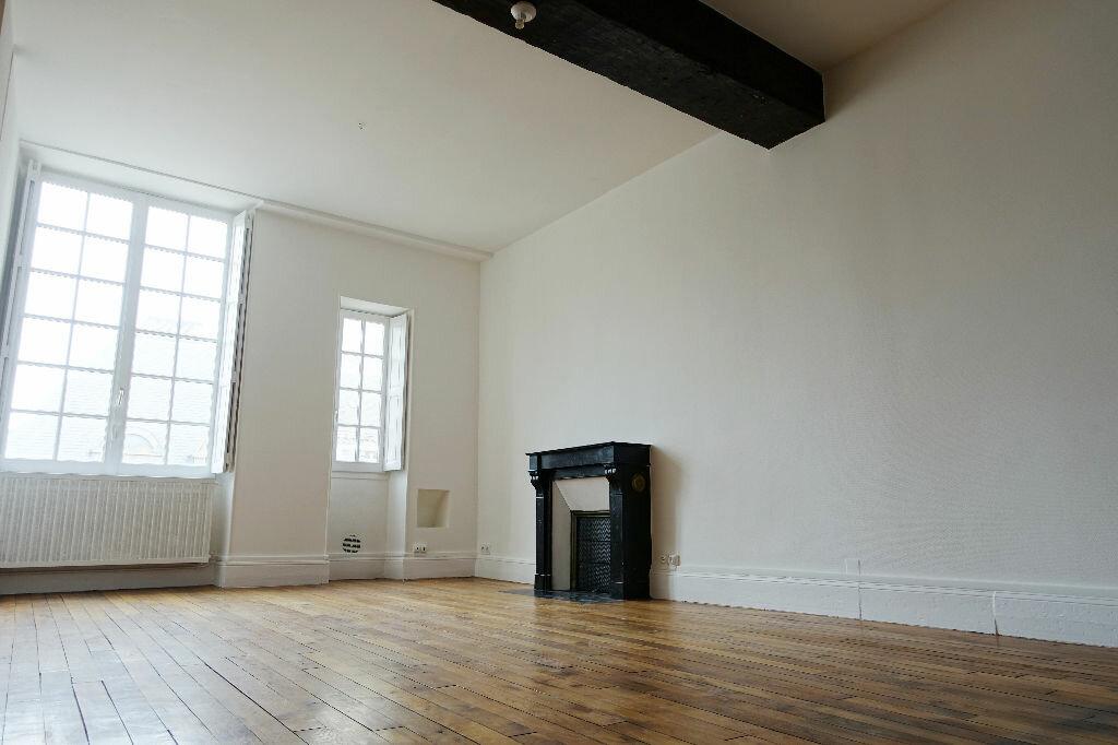 Appartement à louer 3 75.66m2 à Orléans vignette-2
