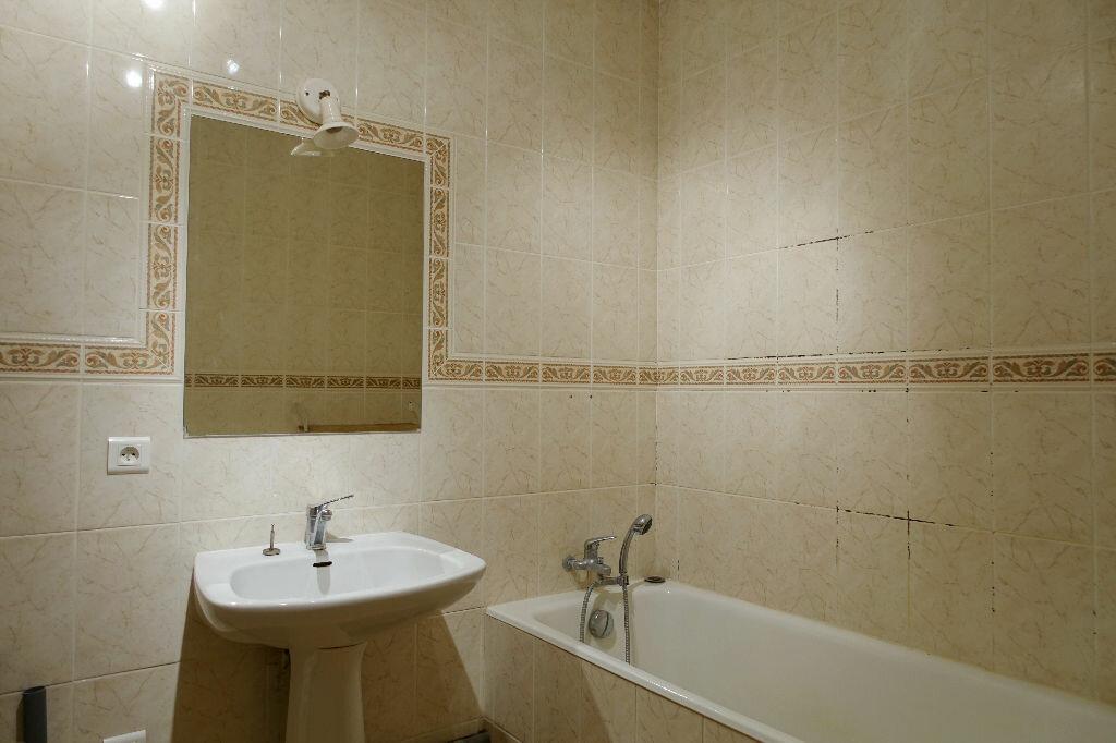 Appartement à louer 3 75.66m2 à Orléans vignette-6