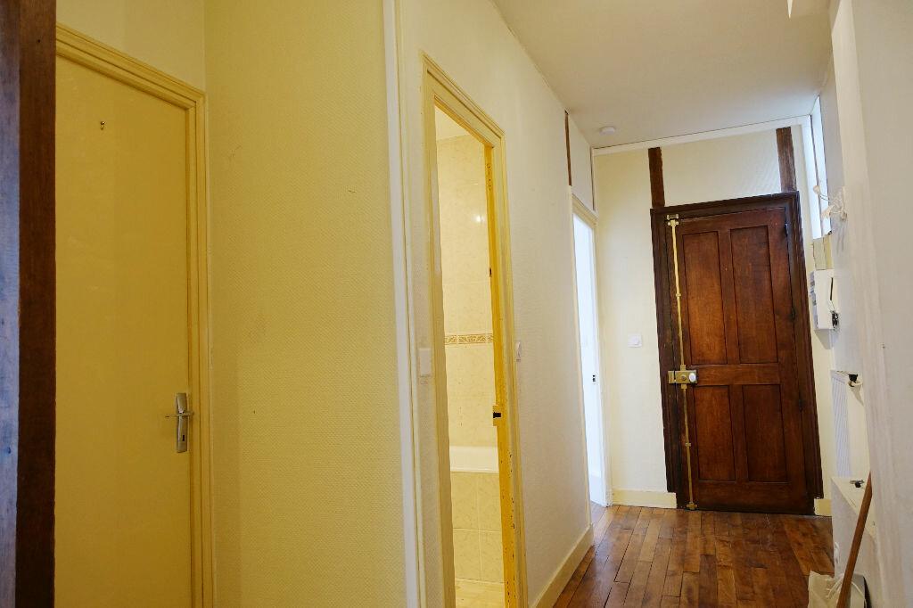 Appartement à louer 3 75.66m2 à Orléans vignette-8