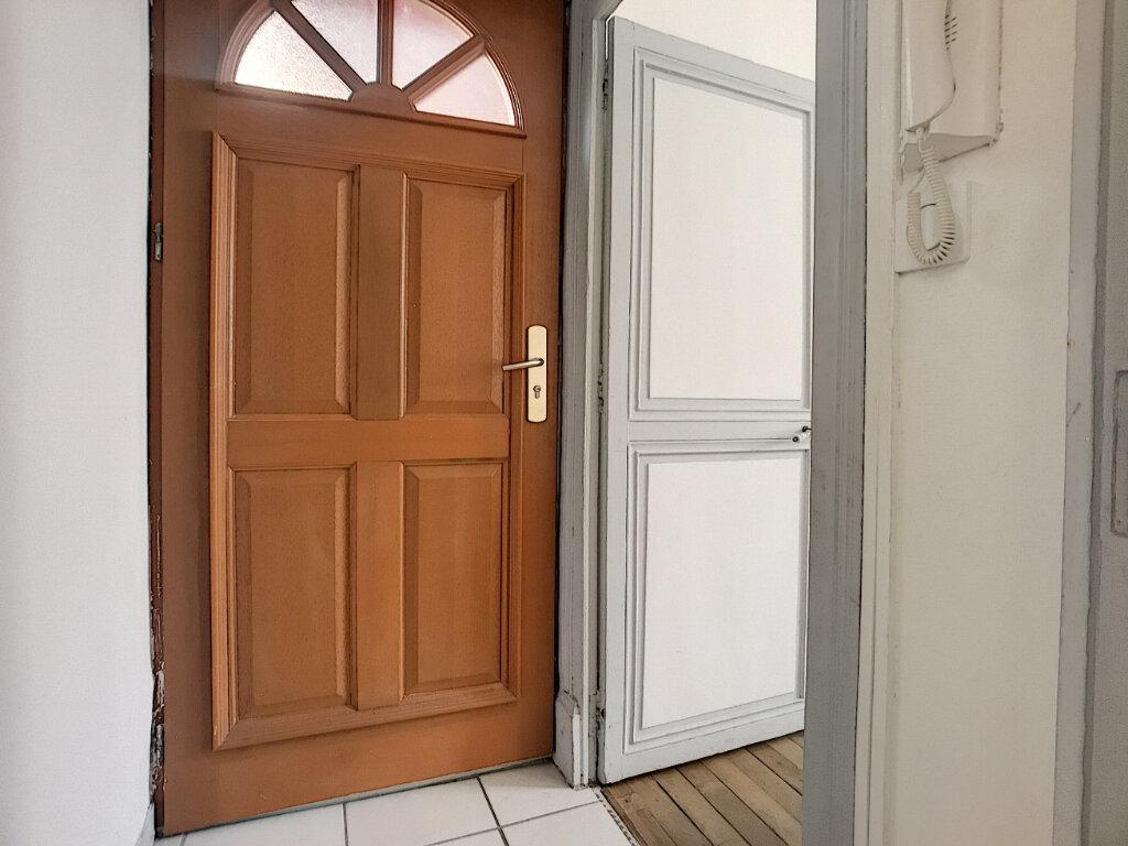 Appartement à louer 1 27.28m2 à Orléans vignette-5