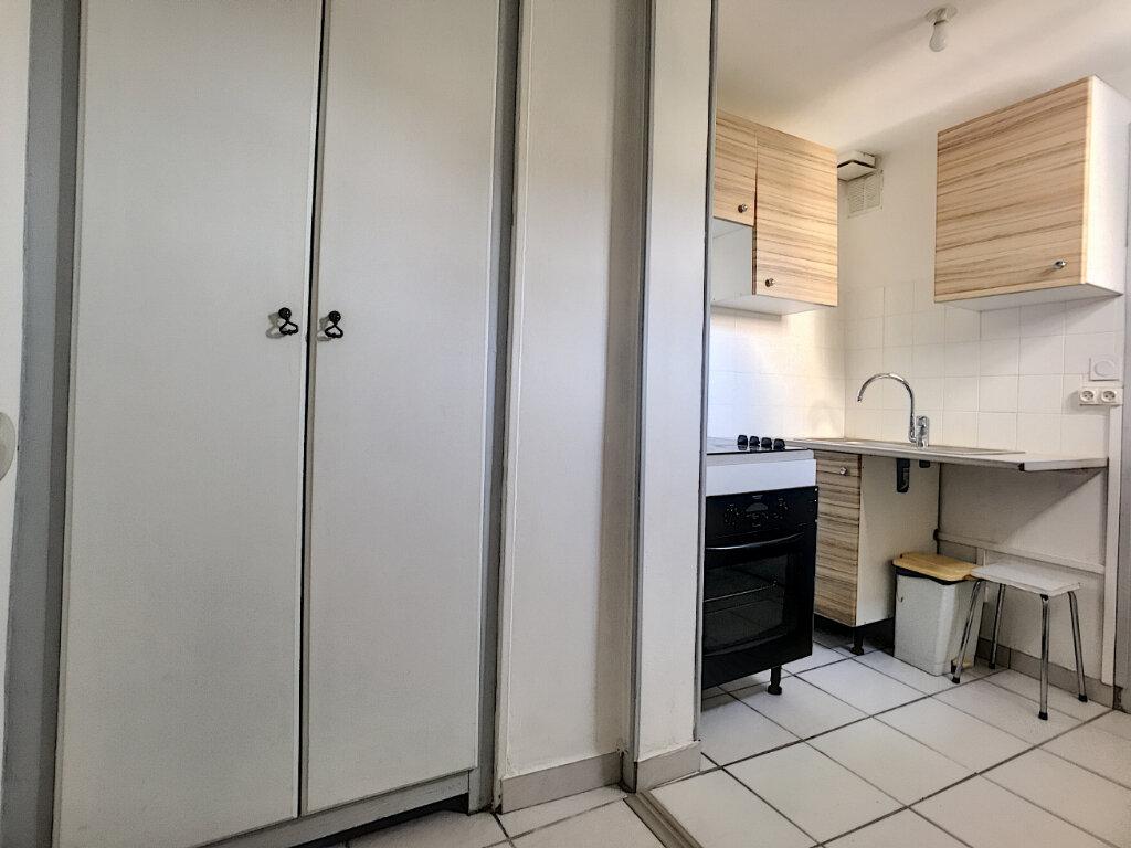 Appartement à louer 1 27.28m2 à Orléans vignette-6