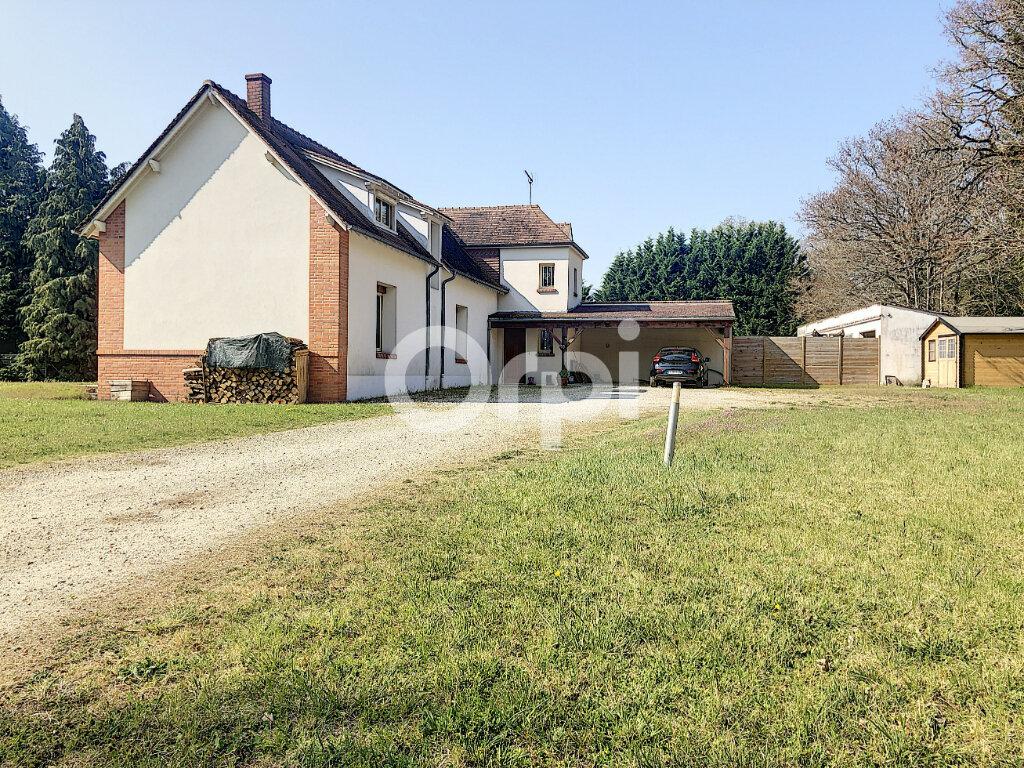 Maison à louer 5 148.49m2 à Cléry-Saint-André vignette-1