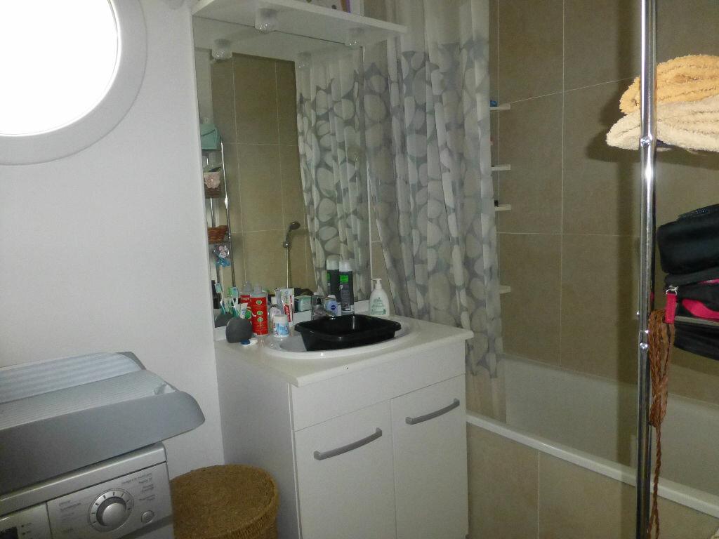 Appartement à louer 3 67.29m2 à Orléans vignette-5