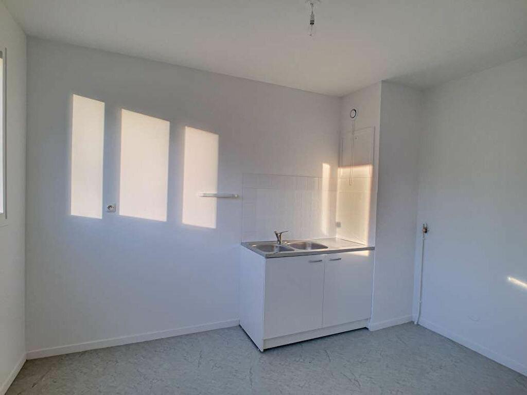 Appartement à louer 2 50.59m2 à Olivet vignette-2